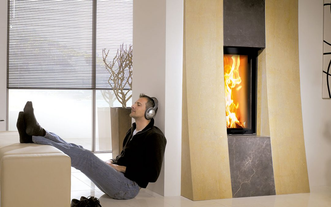 Modern Fireplace VS Traditional Fireplace –Which One Should You Choose?